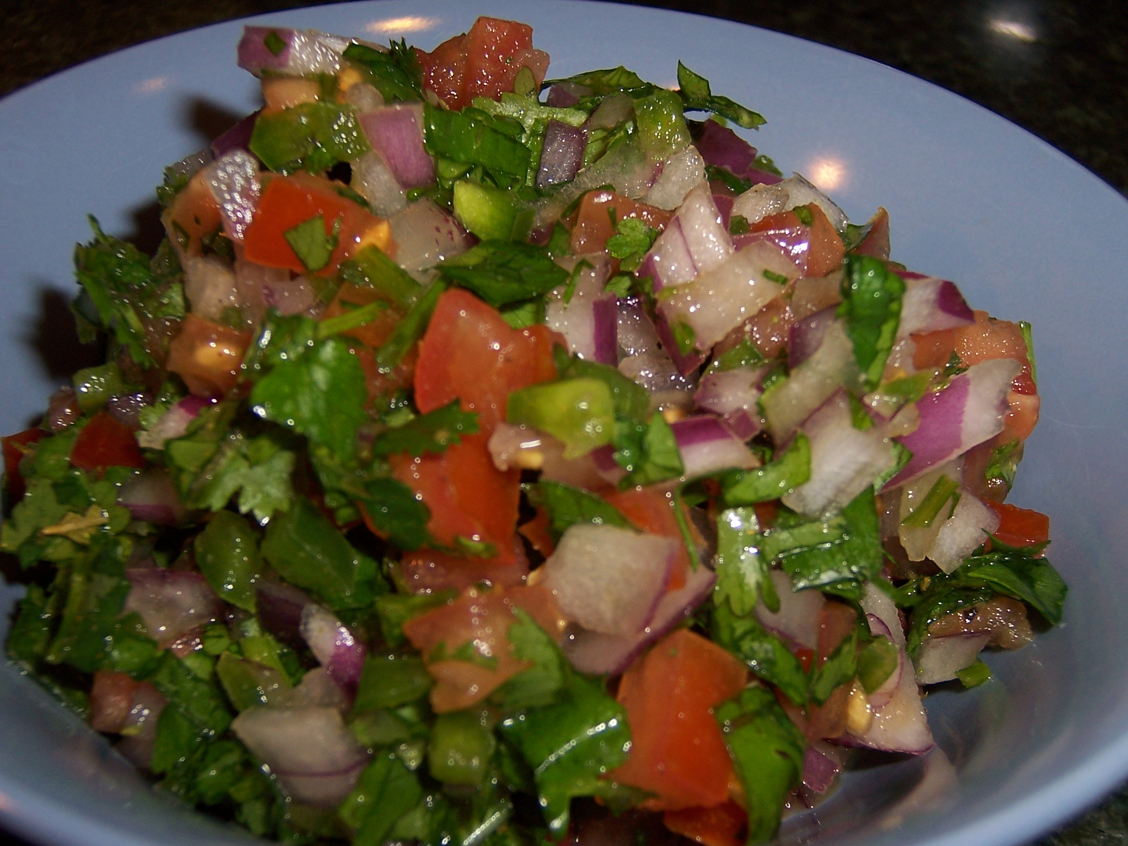 http://onestopcook.files.wordpress.com/2008/06/pico-de-gallo.jpg