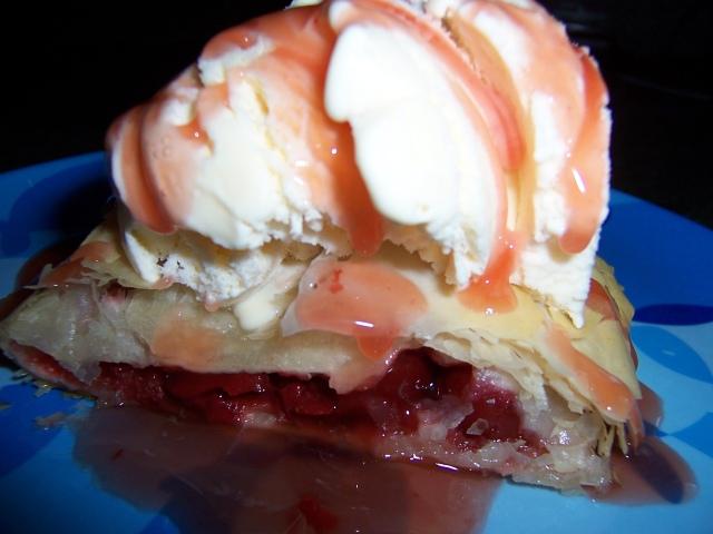 cherry-crisp-topped-with-ice-cream2